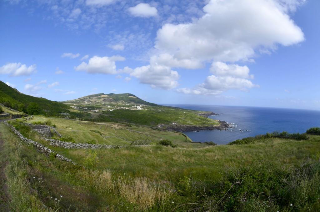 Paisagem da Ilha Graciosa, que juntamente com a Ilha do Corvo é uma das duas mais pequenas ilhas dos Açores, consideradas há cinco anos Reserva da Biosfera, uma classificação atribuída pela UNESCO que visa a conservação de paisagens e espécies, num contexto de desenvolvimento ecologicamente sustentável, Ilha do Corvo, 22 de setembro de 2012. COSTA/LUSA
