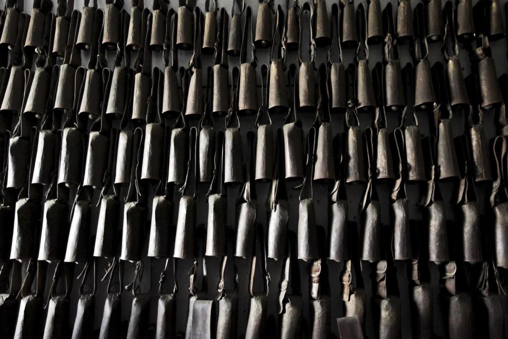 O Museu do Chocalho na freguesia de Alcáçovas (Viana do Alentejo) que apresenta quase quatro mil peças, é particular e foi fundado por João Penetra, mestre chocalheiro já retirado, Alcáçovas, 7 de outubro de 2015. Portugal candidatou a arte chocalheira a Património Cultural Imaterial da Humanidade, pela Organização das Nações Unidas para a Educação, Ciência e Cultura (UNESCO), num processo liderado pela Turismo do Alentejo. NUNO VEIGA/LUSA