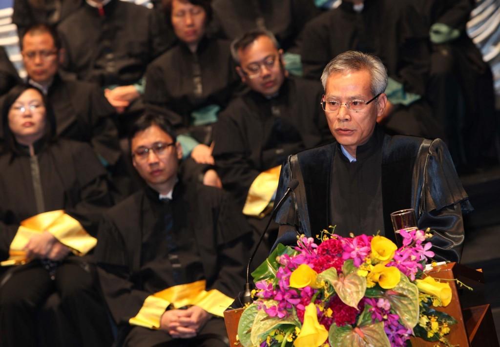 O Presidente do tribunal de Última Instância, Sam Hou Fai, discursa durante a Cerimónia de Abertura do Ano Judici‡rio de 2011/2012 em Macau, a 19 de Outubro de 2011.  CARMO CORREIA/LUSA