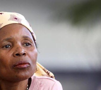 """Irene Joaquim, """"Rainha de Nampula"""", deputada do Partido Renamo pelo círculo de Nampula, pertence à aristocracia Macua, Maputo, 27 de junho de 2009. PEDRO SA DA BANDEIRA/LUSA"""