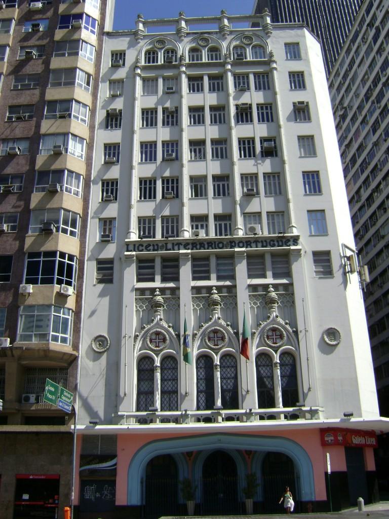 Fachada do Liceu Português, na cidade do Rio de Janeiro. 23 de janeiro de 2011. Autor: Andrevruas