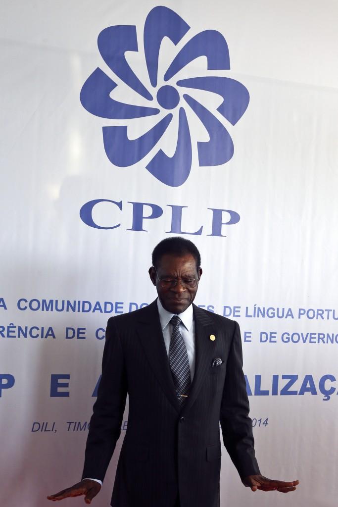 O Presidente da Guiné Equatorial, Teodoro Obiang, à entrada para a cerimónia de abertura da X Conferência de Chefes de Estado e de Governo da Comunidade dos Países de Língua Portuguesa (CPLP), em Díli, Timor Leste, 23 de julho de 2014. PAULO NOVAIS/LUSA