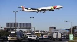 Um avião da TAP aterra no Aeroporto de Lisboa, 26 de dezembro de 2014.MÁRIO CRUZ/LUSA