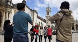 Turistas asiáticos visitam a Universidade de Coimbra, 21 de junho de 2015. PAULO NOVAIS/LUSA