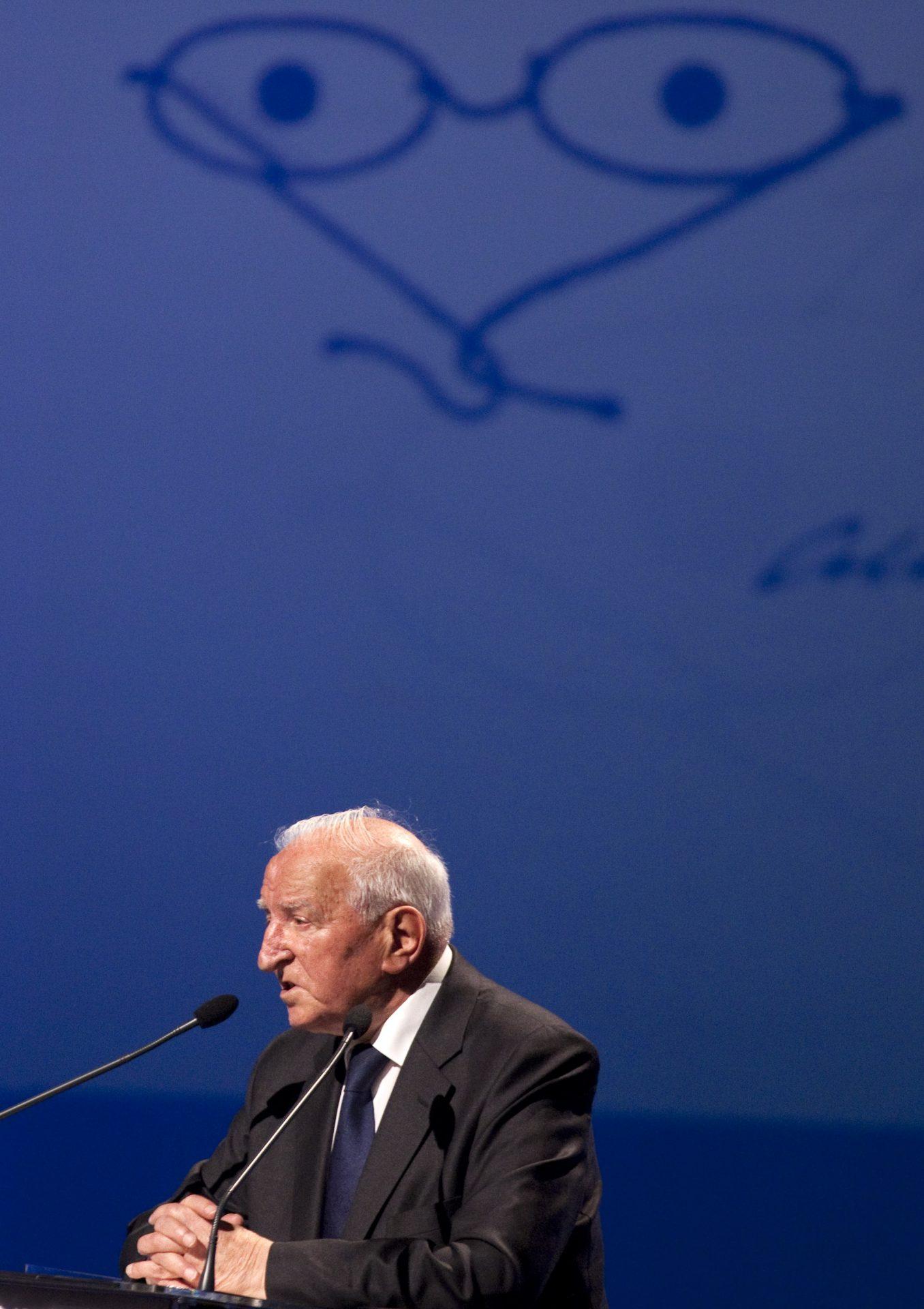 Eduardo Lourenço, ensaísta, professor universitário e filósofo, usa da palavra durante a cerimónia de entrega do Prémio Pessoa 2011, 14 de maio de 2012 em Lisboa. ANTÓNIO COTRIM/LUSA
