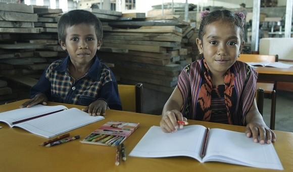 Crianças numa escola nos arredores de Díli em Timor-Leste. ANTÓNIO COTRIM/LUSA