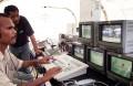 A primeira transmissão televisiva de um jogo de futebol, PELA TVTL - Televisão de Timor Leste, que colocou uma seleção portuguesa e uma seleção timorense, durante a visita do Eusebio a Timor. FOTO ANTONIO SAMPAIO / LUSA