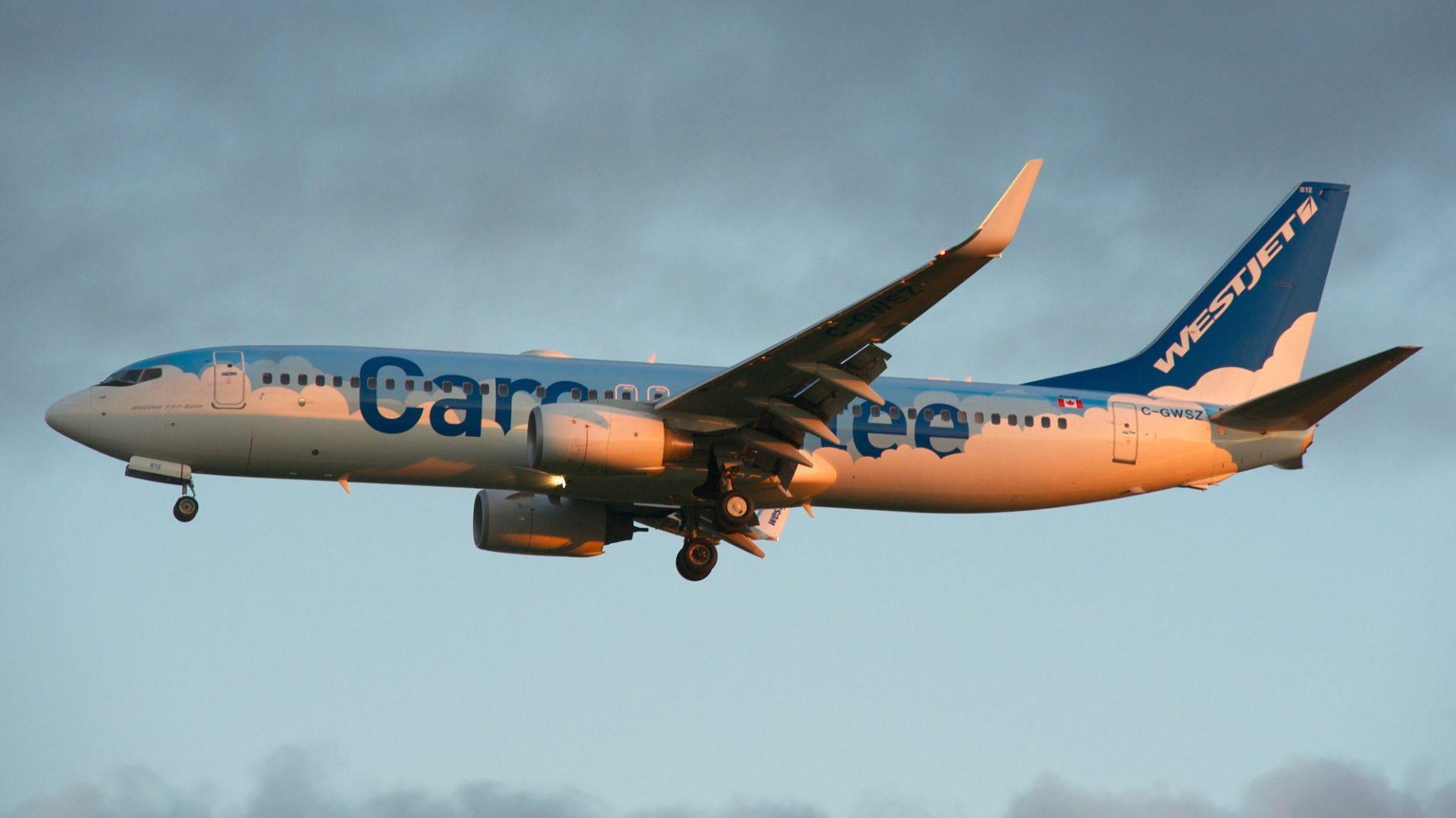 """Aterragem do """"Careantee"""" (Toronto-Pearson) às primeiras horas da manhã."""