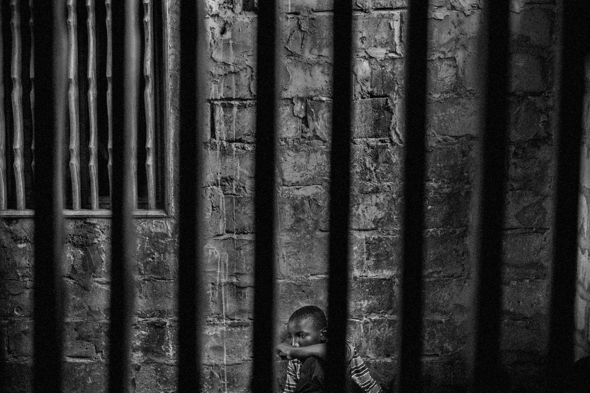 """O fotojornalista Mário Cruz, da agência Lusa, venceu o primeiro prémio na categoria """"Contemporary Issues"""", com uma reportagem sobre tráfico e exploração de trabalho infantil no Senegal, com crianças senegalesas e guineenses."""