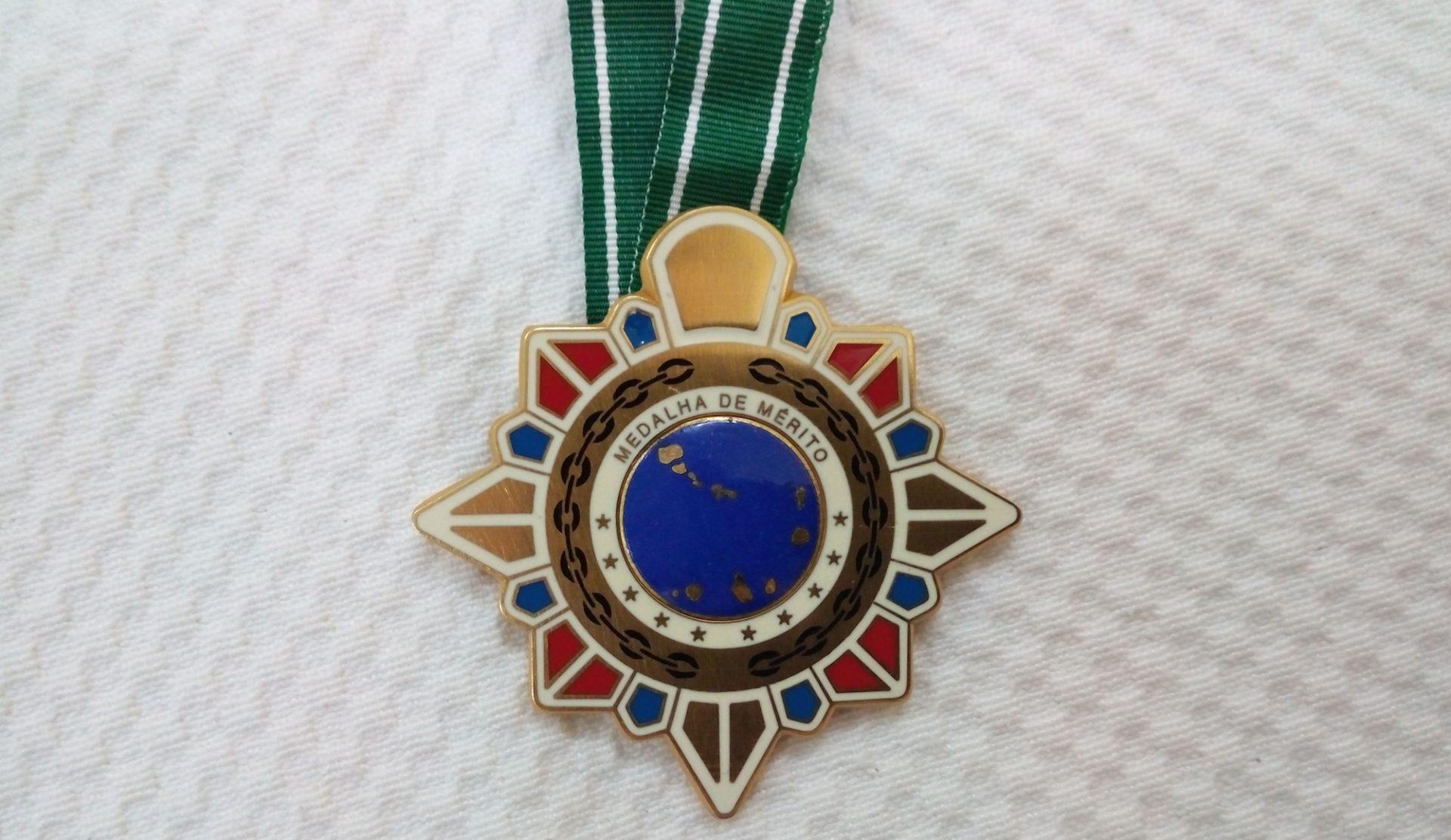 Medalha pL