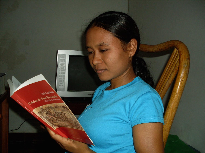 """Icha Meiliana Bossa lê """"Crónica de Uma Travessia"""", o primeiro romance do escritor timorense Luís Cardoso"""