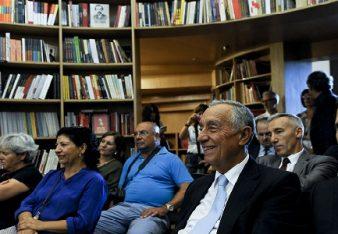 O Presidente da República, Marcelo Rebelo de Sousa (2D), assiste a uma palestra durante o FOLIO - Festival Literário Internacional de Óbidos, 28 de setembro de 2016. O festival decorre de 22 de setembro a 2 de outubro. CARLOS BARROSO/LUSA