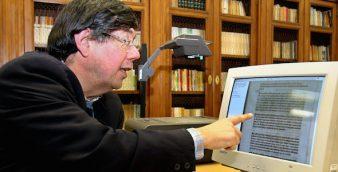Carlos Fiolhais, director da Biblioteca Geral da Universidade de Coimbra. 22 de Fevereiro de 2008. PAULO NOVAIS / LUSA