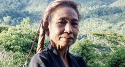 Uma mulher timorense posa nas montanhas, em Timor em Outubro de 1989. PEDRO AD√O / LUSA