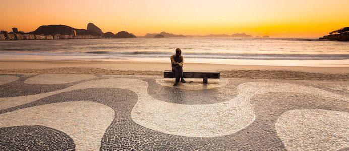 Estatua de Carlos Drummond de Andrade ao amanhecer. Tirada em 27 de setembro de 2011 por Flávio Veloso