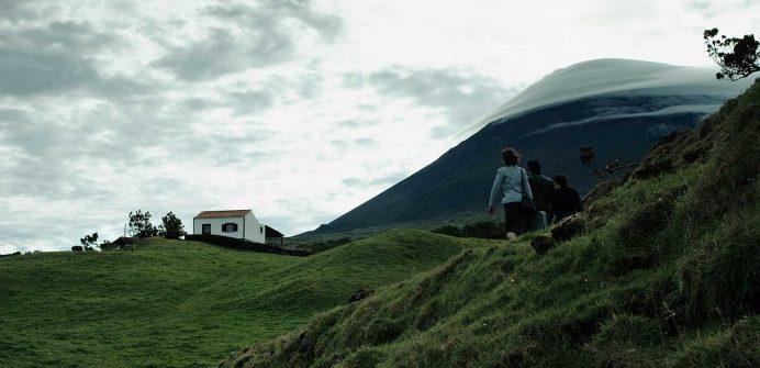 Considerado um dos mais versáteis realizadores nacionais da sua geração, Luís Filipe Rocha está de regresso com «Cinzento e Negro», a sua 11ª longa-metragem.