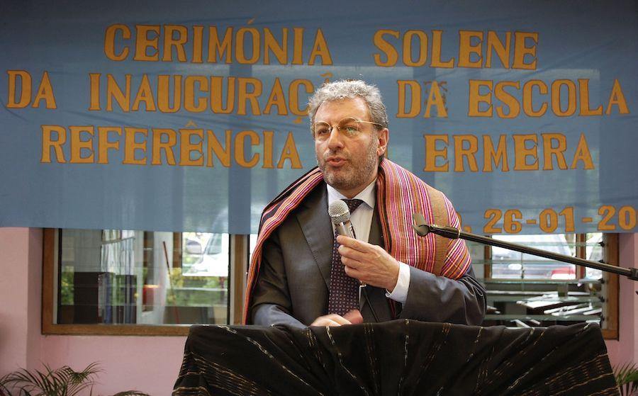 Ministros da Educação de Portugal, Nuno Crato e de Timor-Leste, João Câncio, inauguram escola de referência de Gleno, Ermera, Timor-Leste.