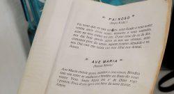 livro de orações indonesia