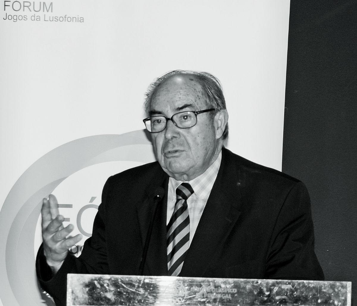 Elogio Histórico de Fernando Cristóvão