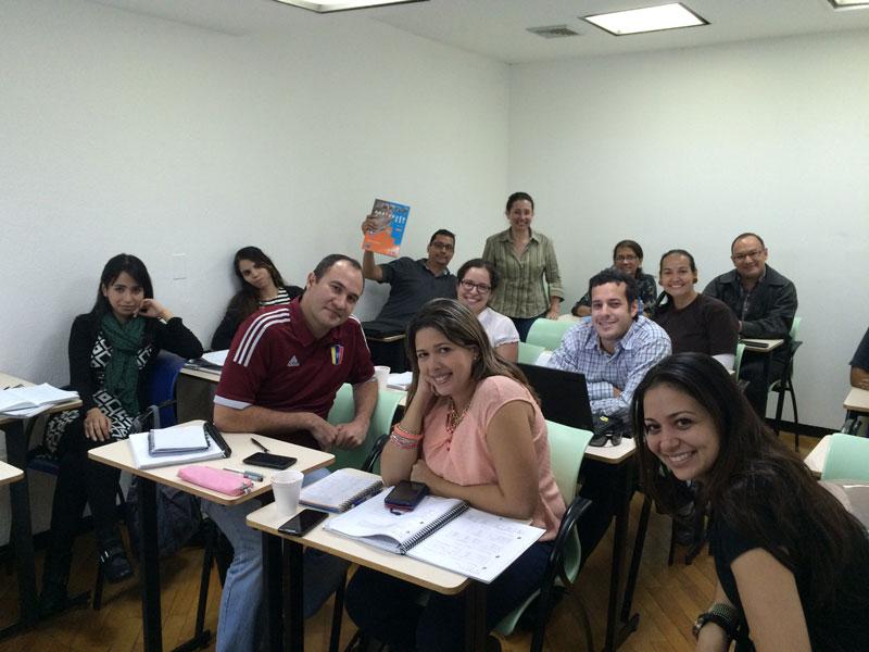 Plataforma digital para reforçar ensino do português junto de emigrantes temporários