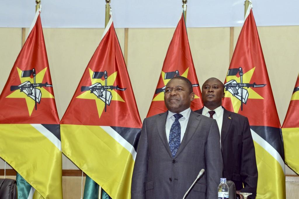 O Presidente moçambicano, Filipe Nyusi à cerimónia de celebração de 40 anos do estabelecimento de relações diplomáticas de Moçambique com o mundo, em Maputo, 12 de junho de 2015. ANTÓNIO SILVA/LUSA