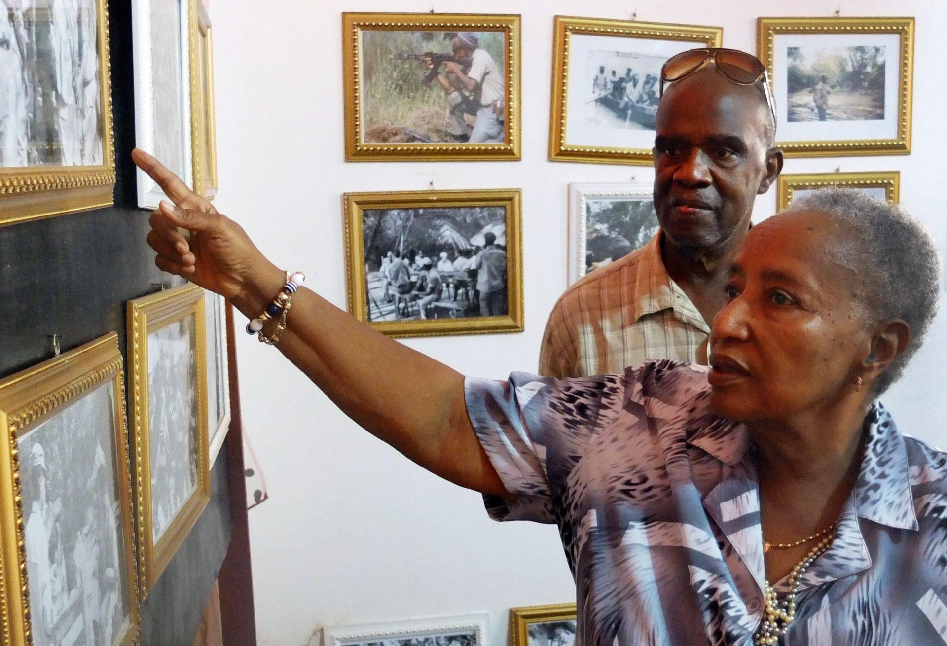A declaração de Independência da Guiné-Bissau esteve quase para acontecer no dia de aniversário de Carmen Pereira, a única mulher que estava na mesa de proclamação, em 1973 e Juvêncio Gomes, segundo secretário, são os dois únicos membros vivos da primeira mesa da ANP, o parlamento guineense. Bissau 12 de junho de 2015. LUÍS FONSECA / LUSA