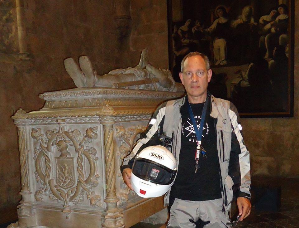 O português que ligou Lisboa a Lifau, de mota, em 84 dias e 27.700 quilómetros