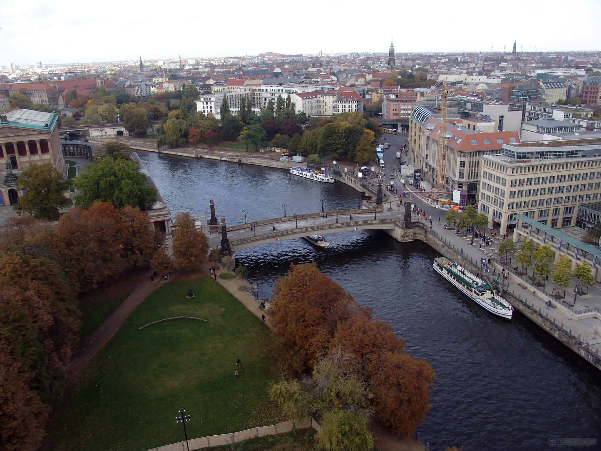 Berlim: vagas para quem fala português