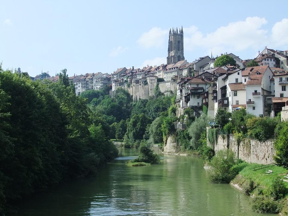 Suíça: empresas procuram profissionais fluentes em português