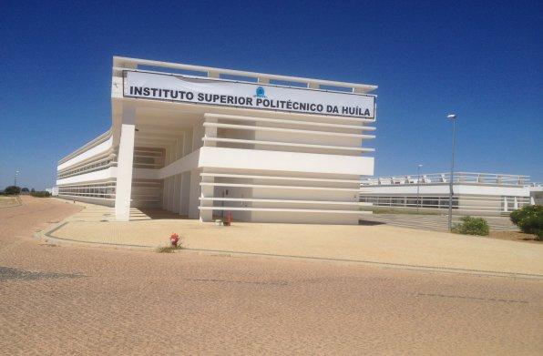 Universidade de Coimbra apoia formação e investigação em instituto superior angolano