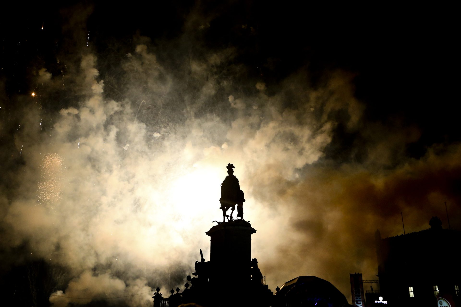 Fo de artifício em Lisboa, Portugal 01 janeiro de 2016. MANUEL DE ALMEIDA/LUSA