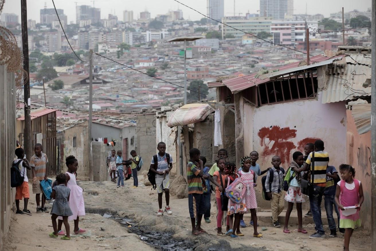 Angola investe quase 750 mil euros para formar professores do ensino primário