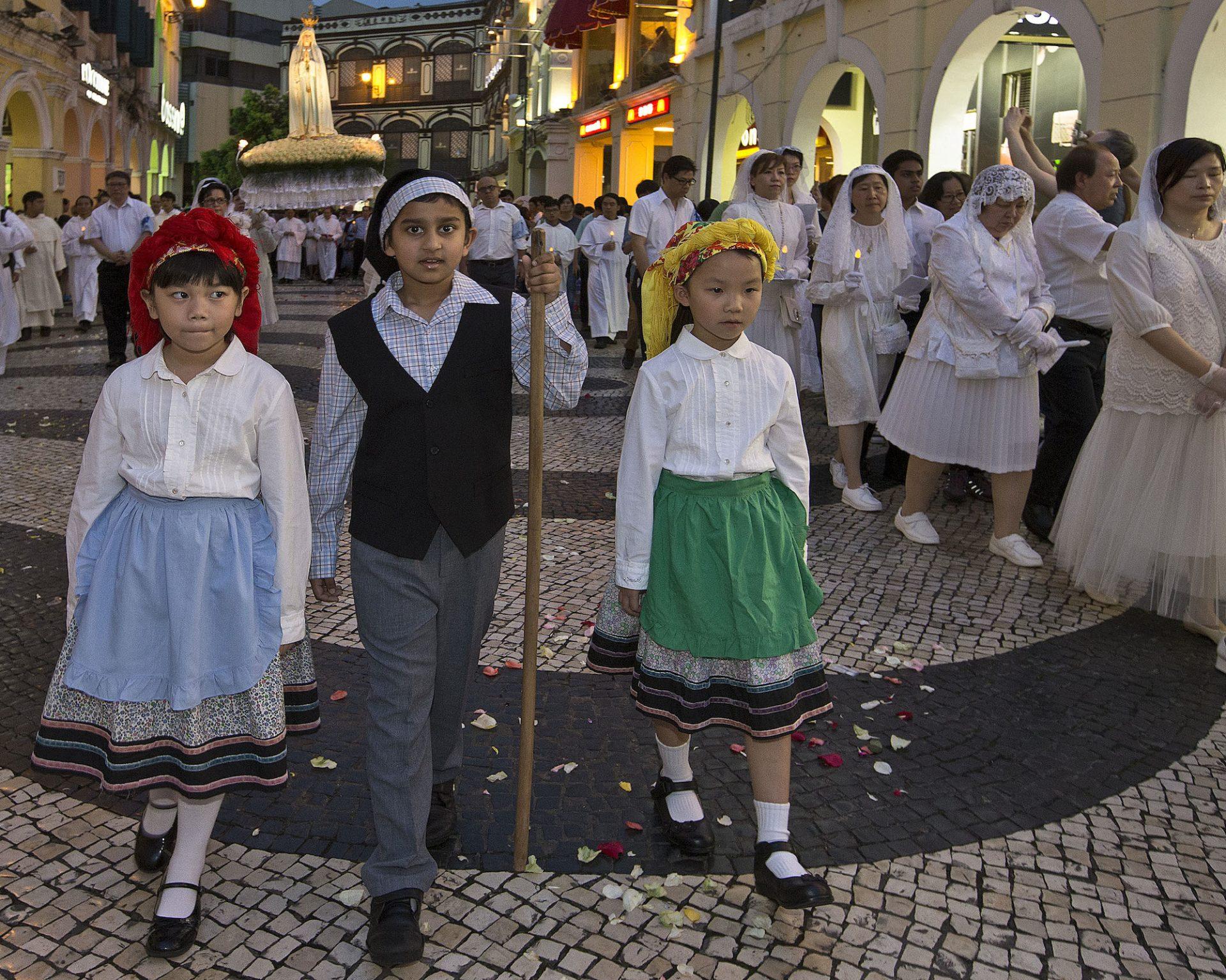"""Tradições católicas portuguesas são """"um tesouro da diocese de Macau"""""""