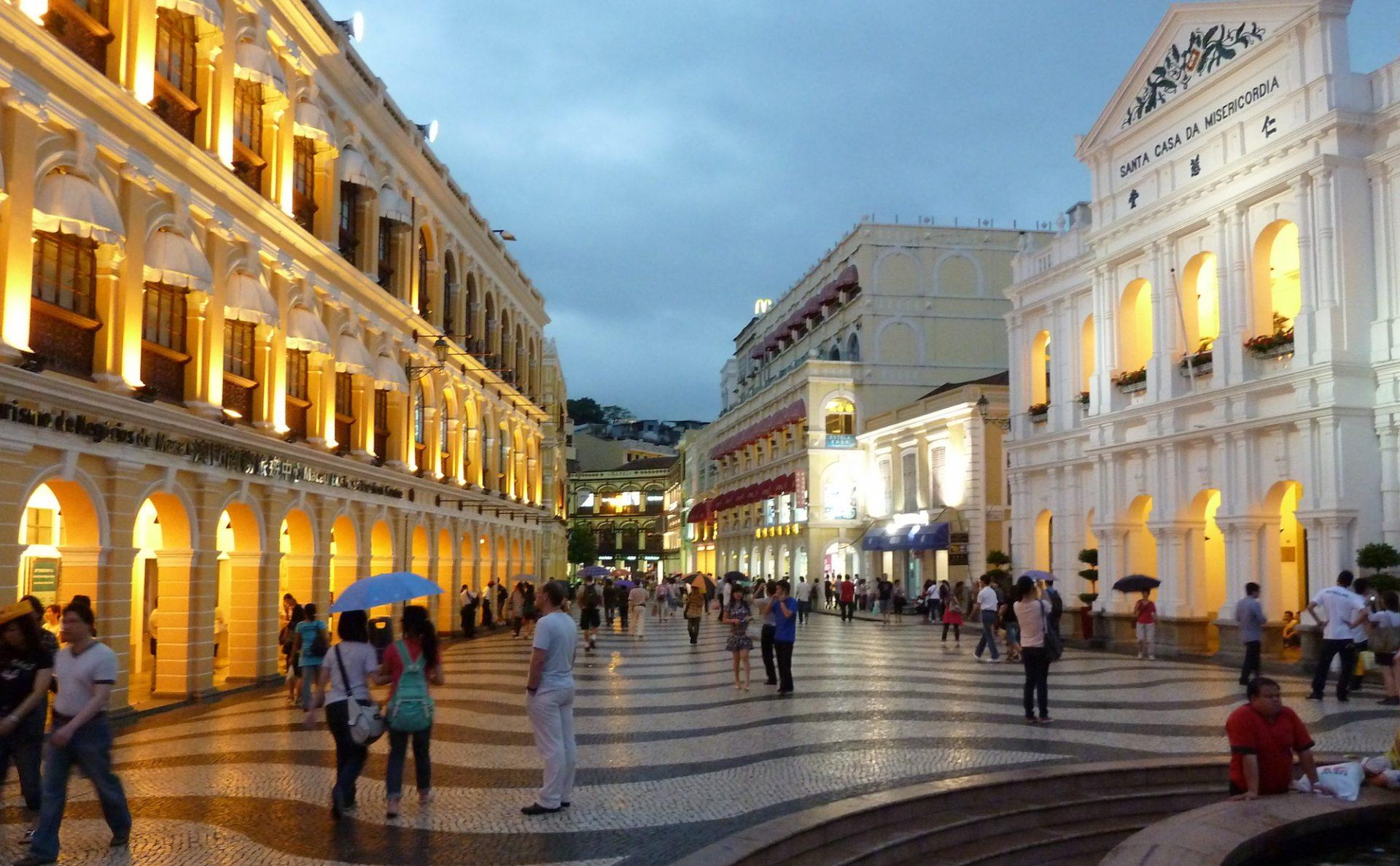 Largo do Senado (foto de mroach) em Flickr