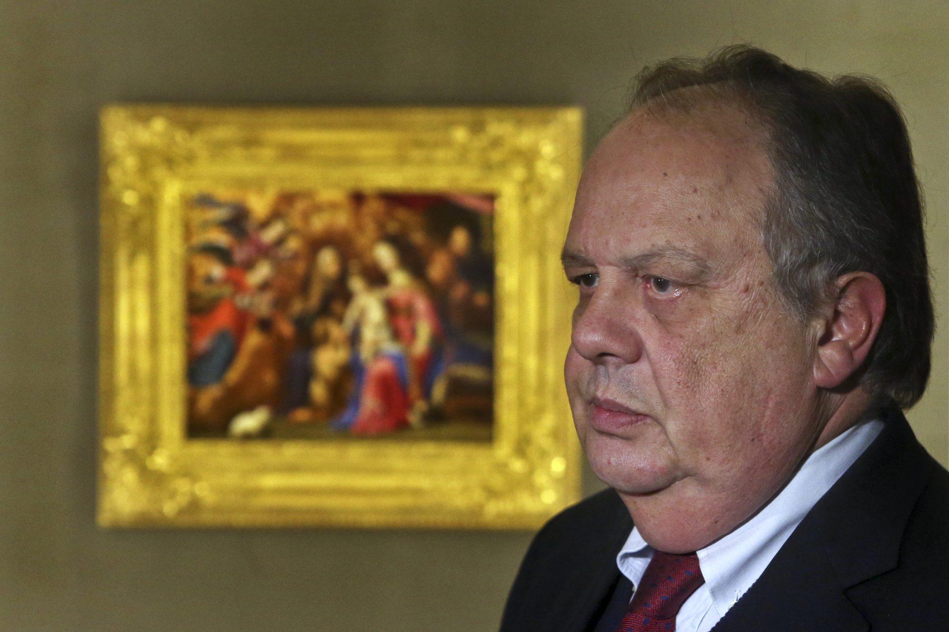 O ministro da Cultura, João Soares, na apresentação da Sagrada Família, da pintora Josefa de Óbidos, na Santa Casa da Misericórdia do Porto, 18 de março de 2016. JOSE COELHO/LUSA