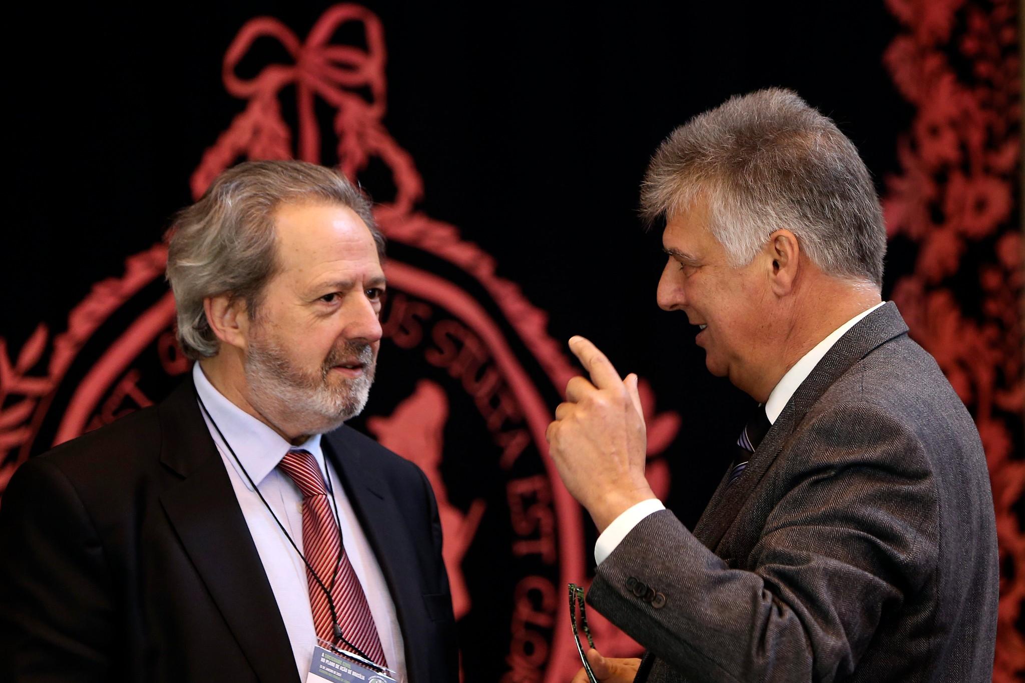 Desinvestimento na promoção do português no mundo