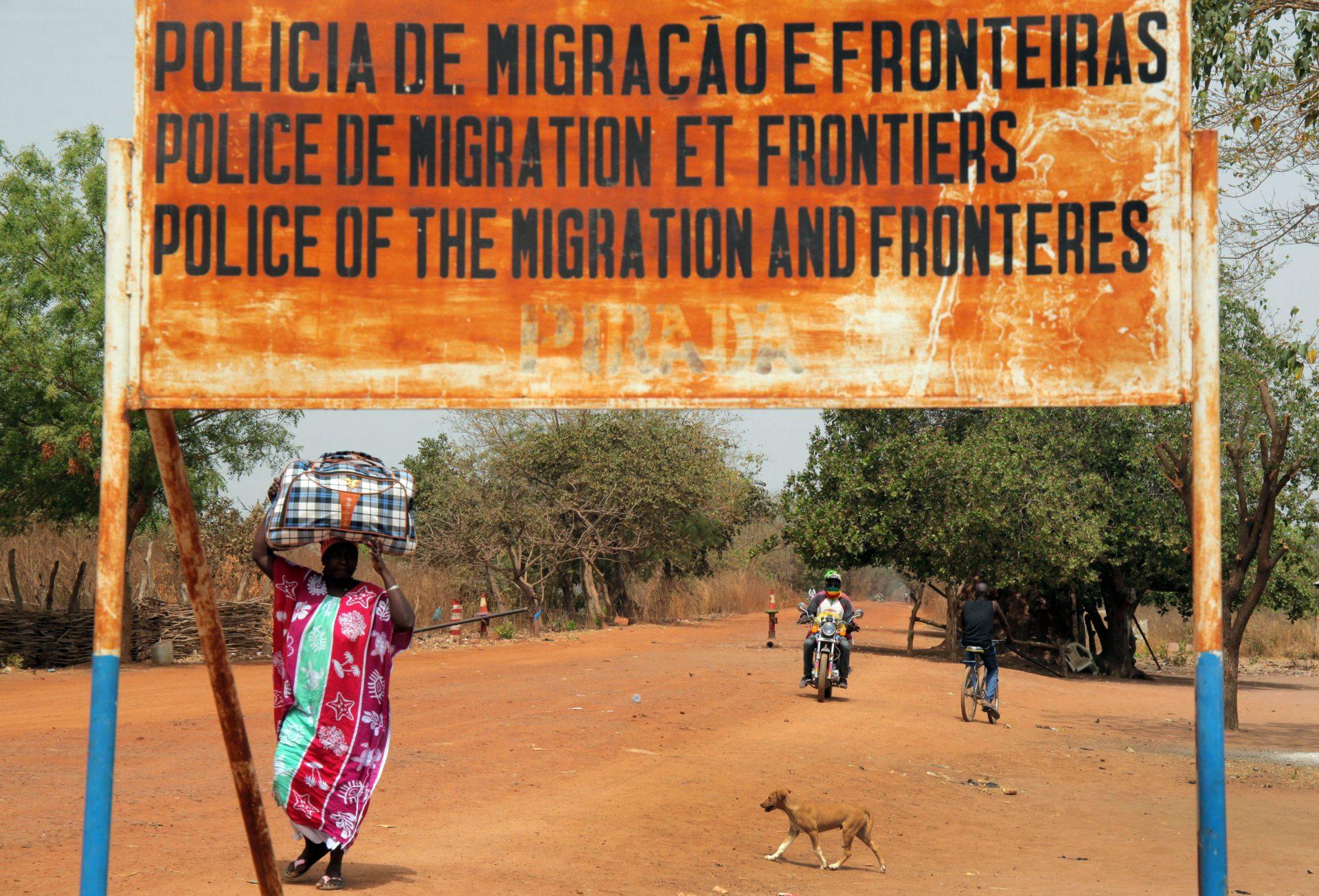 Linha de fronteira de Pirada, Guiné-Bissau, 26 de fevereiro de 2016. LUIS FONSECA/LUSA