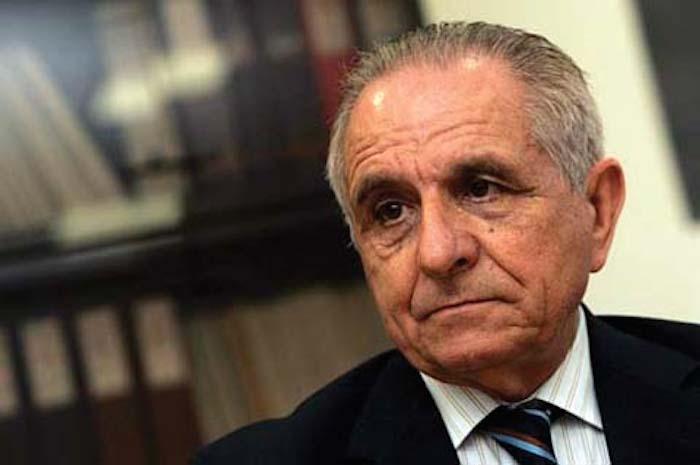 Morreu o professor catedrático e linguista Malaca Casteleiro
