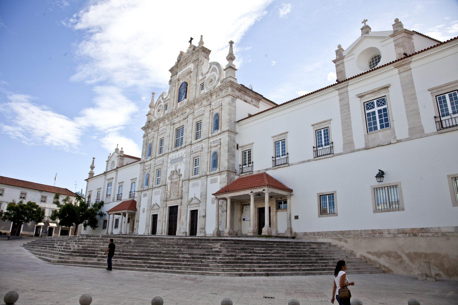 A Igreja Sé de Santarém, Igreja de Nossa Senhora da Conceição do Colégio dos Jesuítas, também conhecida por seminário. 7 setembro 2014 em Santarém. PAULO CUNHA/LUSA