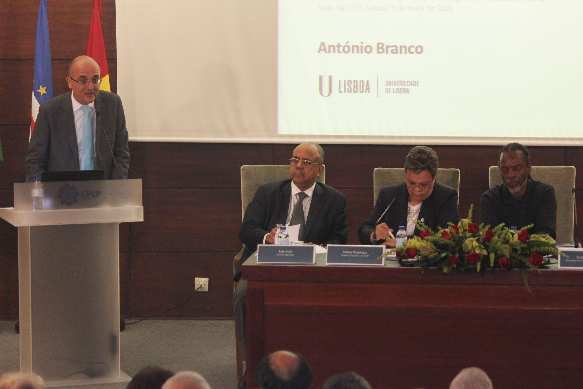 Comunicação de António Branco