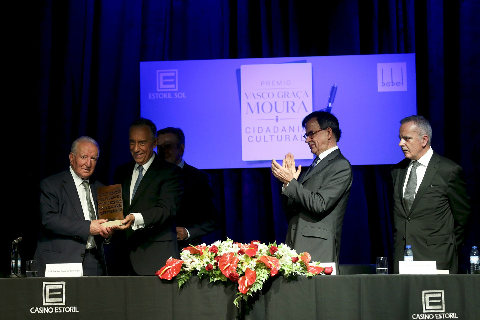 Eduardo Lourenço recebe prémio Vasco Graça Moura
