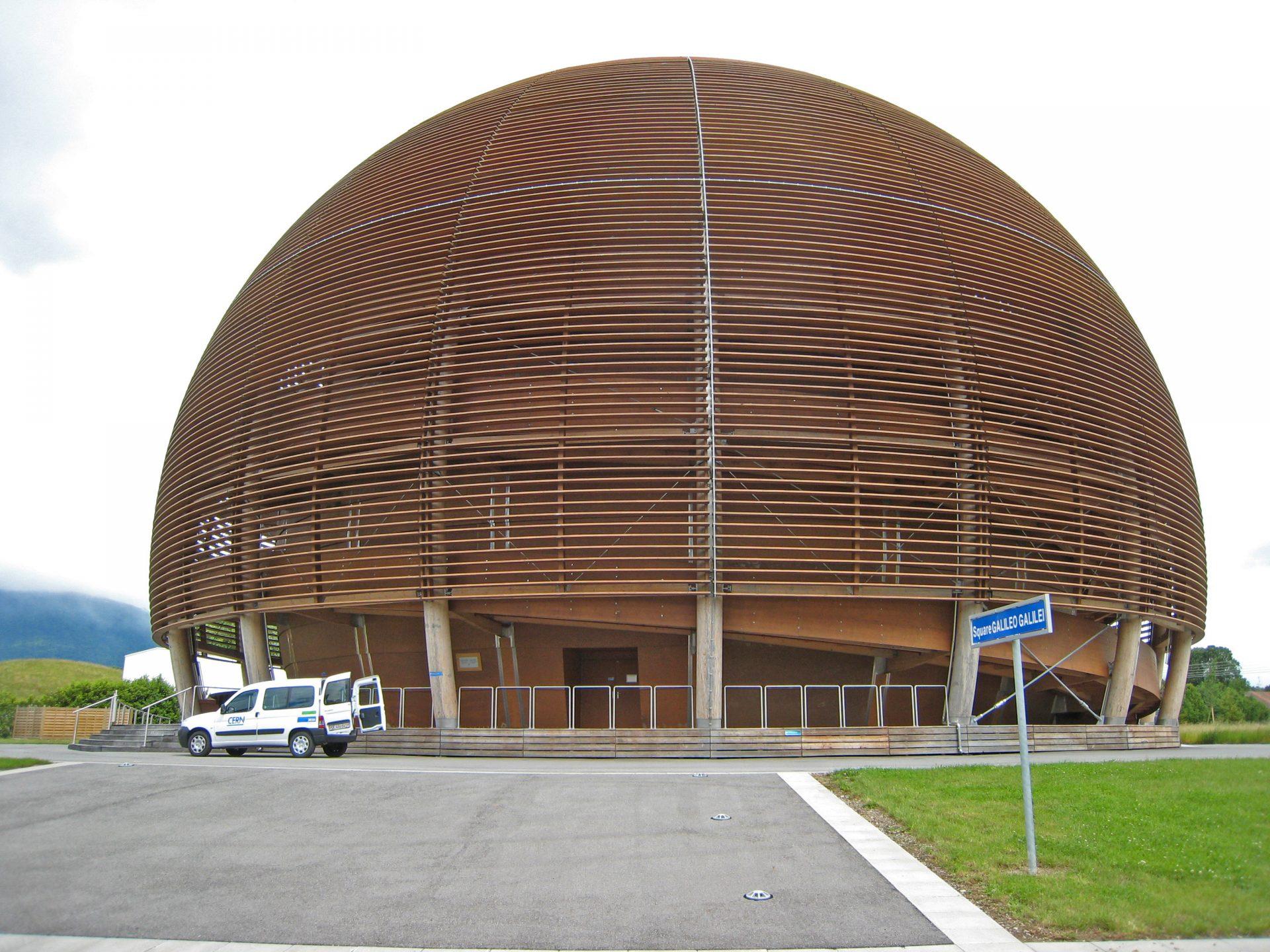 Alunos de escola portuguesa de Díli recolhem fundos para visitar CERN após prémio