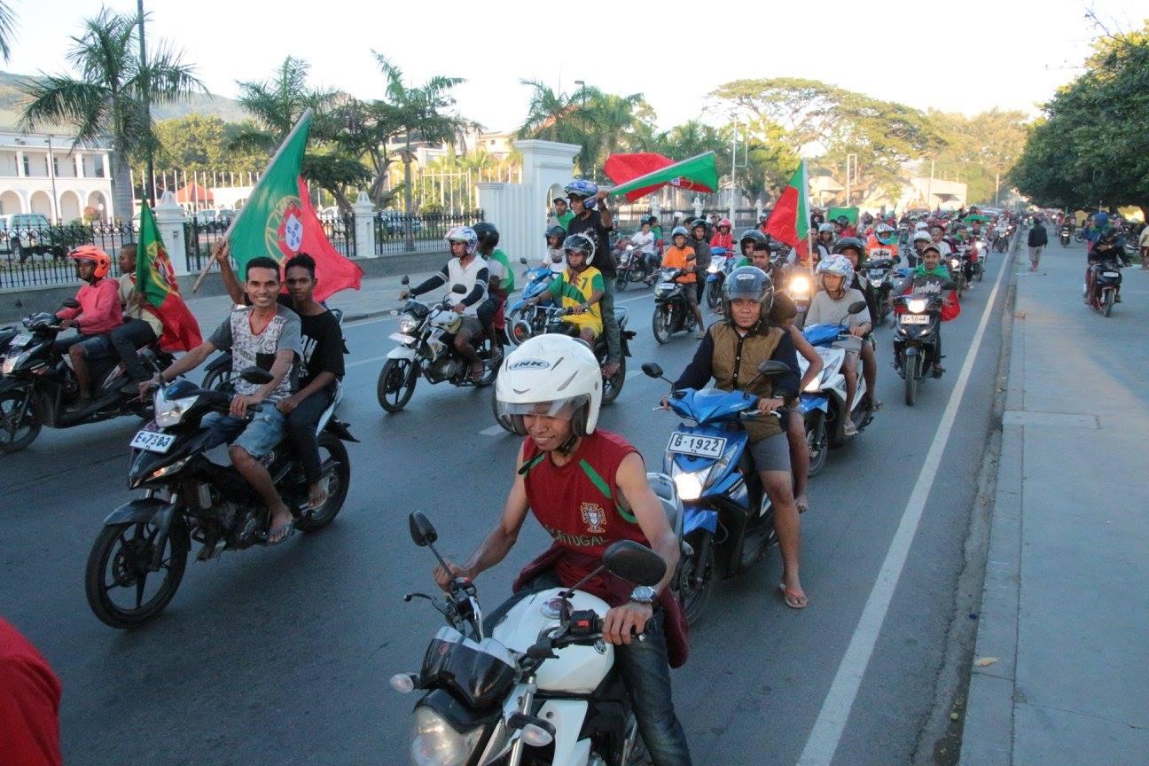 Festa em dili motas
