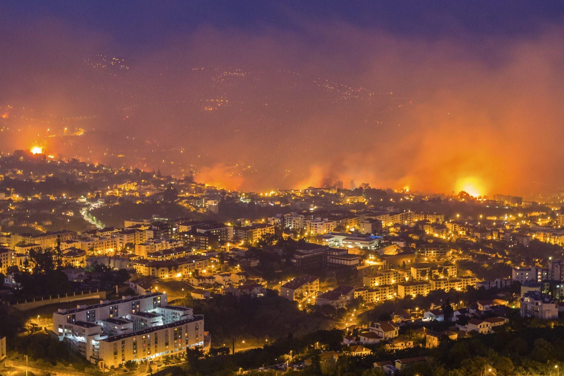 Vista para a cidade do Funchal do miradouro do Pico dos Barcelos, freguesia de São Martinho, Funchal, 09 de Agosto de 2016. GREGÓRIO CUNHA/LUSA