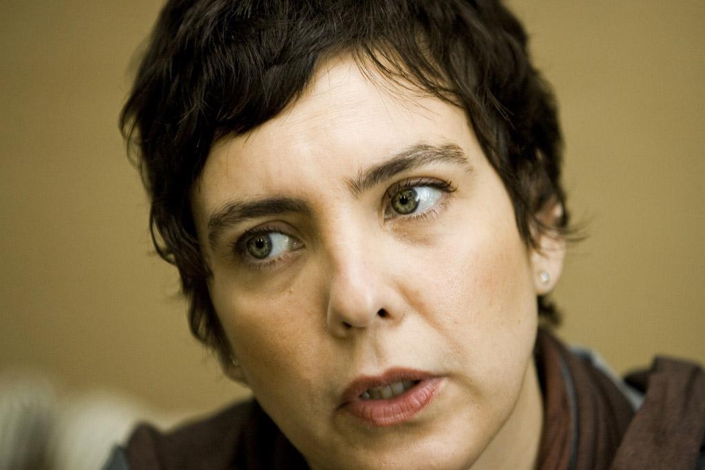 Cantora brasileira Adriana Calcanhotto professora convidada na Universidade de Coimbra