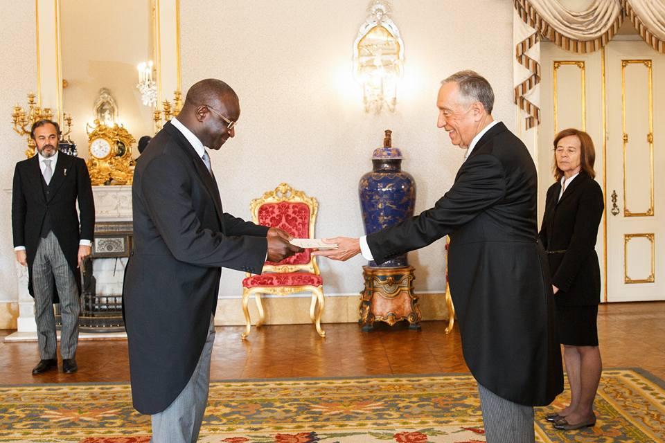 """Embaixador guineense não quer """"contraditar"""" MNE português no caso RTP/RDP África"""
