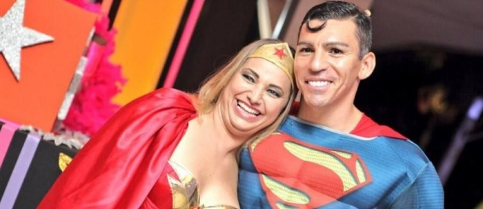 Super-homem com hífen; supermulher sem hífen