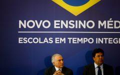Ministro da Educação do Brasil nos Estados Unidos para promover o ensino do português