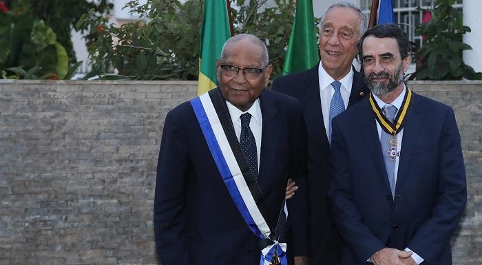 Marcelo condecora professor de português e antigo ministro senegalês