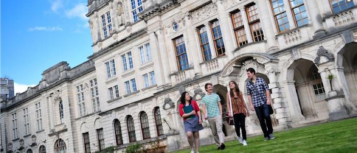 Universidade de Cardiff recruta docente de Português